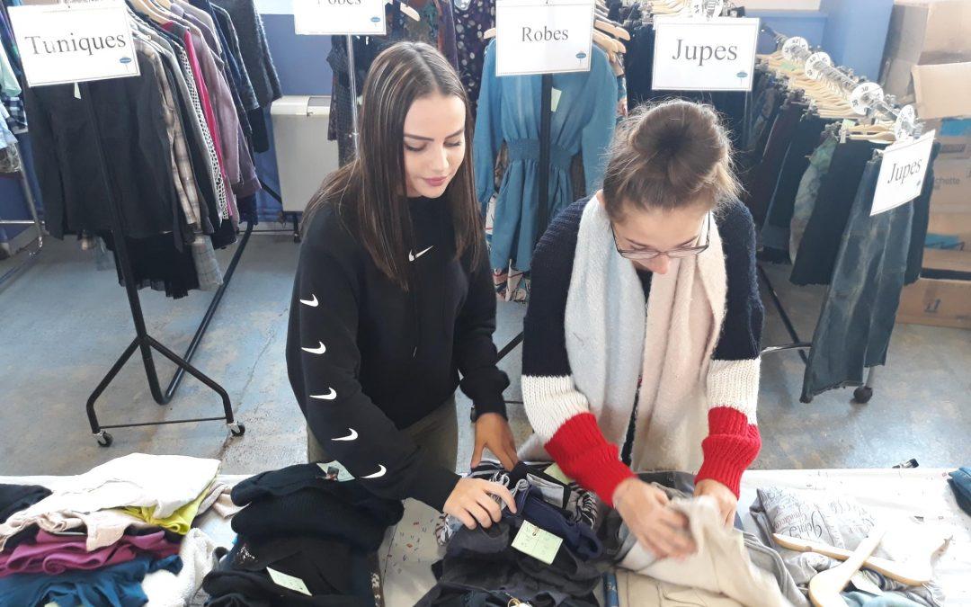Les élèves de CAPa SAPVER se sont investis lors des bourses aux vêtements.
