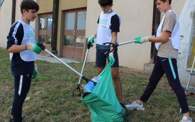 Action « Nettoyons la nature » menée par les collégiens