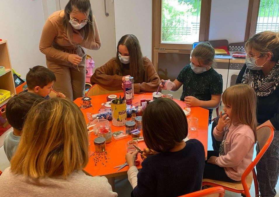 Les Premières Bac Pro SAPAT au centre social d'Arnay le Duc.